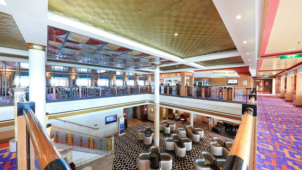 Small Atrium near Sake Bar and Sushi Bar Norwegian Pearl / Foto: Oliver Asmussen/oceanliner-pictures.com