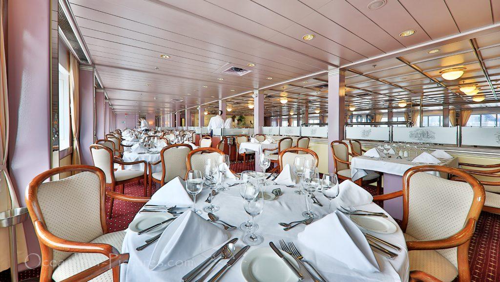Waldorf Restaurant MS Astor / Foto: Oliver Asmussen/oceanliner-pictures.com