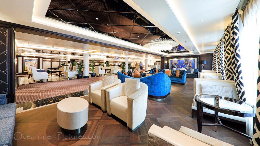 Loungebereich nahe Rezeption und Atrium Seven Seas Explorer / Foto: Oliver Asmussen/oceanliner-pictures.com