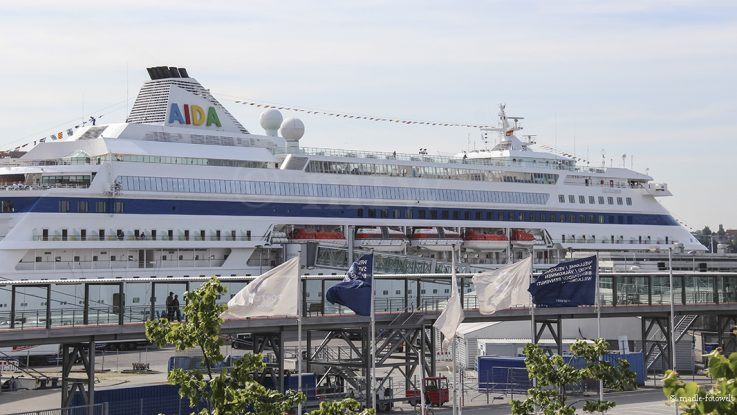 AIDA im Terminal Kiel, Foto: madle-fotowelt