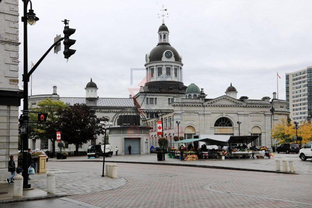 Blick auf Rathaus und Marktplatz in Kingston, Ontario / Foto: Oliver Asmussen/oceanliner-pictures.com