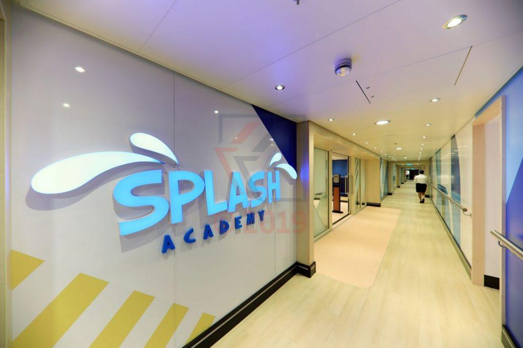 Eingang Splash Academy Norwegian Encore / Foto: Oliver Asmussen/oceanliner-pictures.com