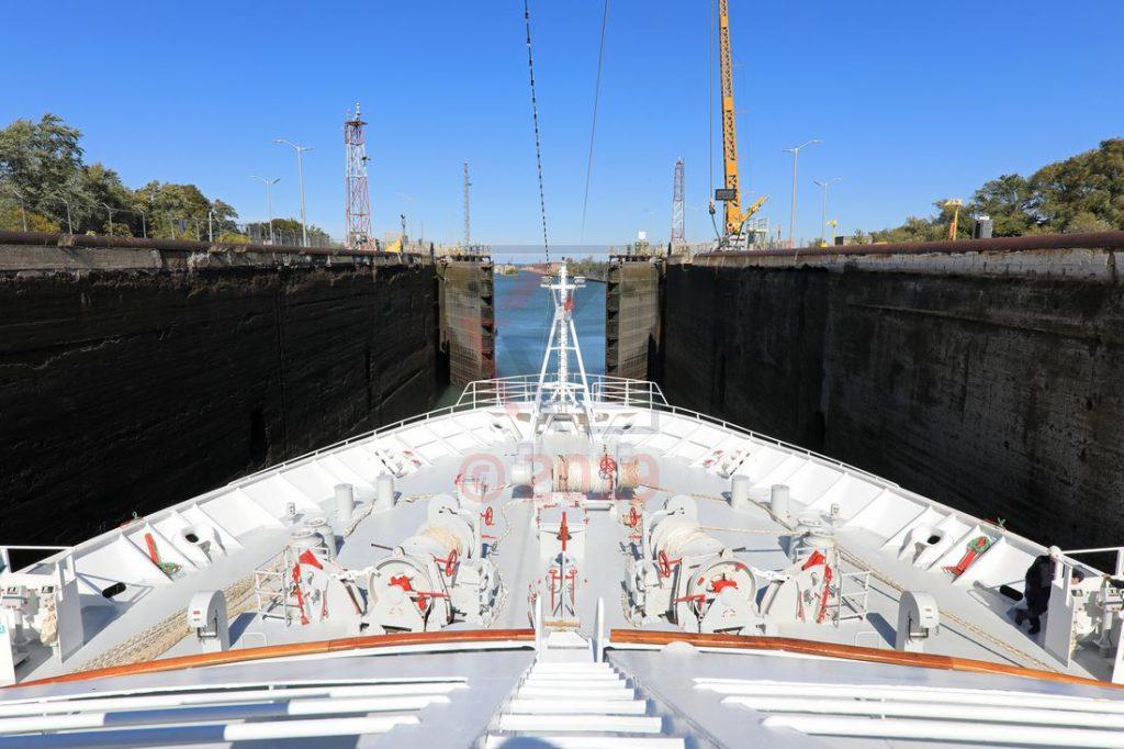 MS Hamburg in einer der Schleusen vom Wellandkanal / Foto: Oliver Asmussen/oceanliner-pictures.com