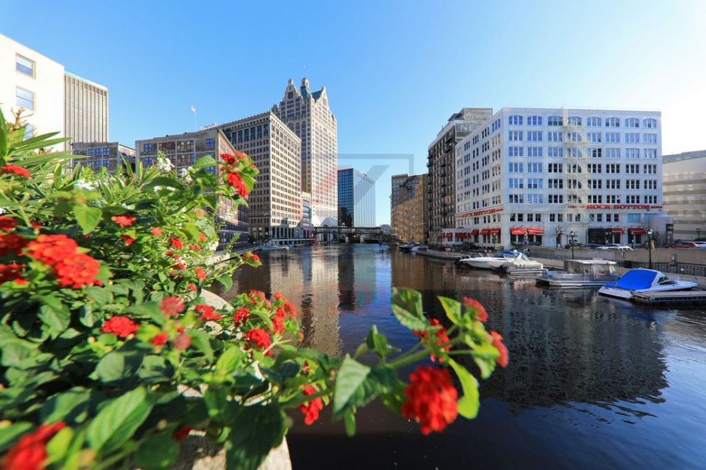Milwaukee vom Milwaukee River betrachtet / Foto: Oliver Asmussen/oceanliner-pictures.com