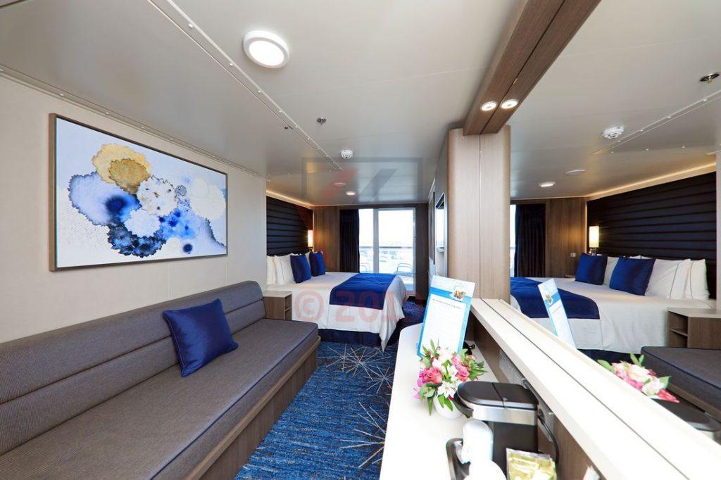 Mini Suite mit Balkon mittschiffs 12788 Kat MA Norwegian Encore / Foto: Oliver Asmussen/oceanliner-pictures.com