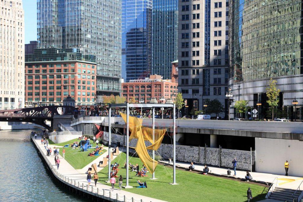 Naherholungsgebiet Chicago Riverwalk am Chicago River / Foto: Oliver Asmussen/oceanliner-pictures.com