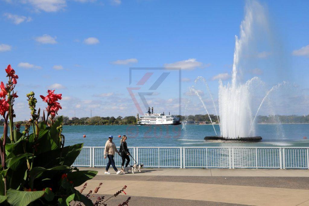 Reaume Park und Peace Fountain Windsor mit Detroit Princess / Foto: Oliver Asmussen/oceanliner-pictures.com