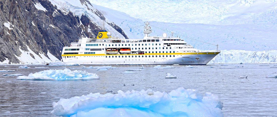 MS Hamburg mit Marinediesel statt Schweröl auf Kreuzfahrt / Foto: Oliver Asmussen/oceanliner-pictures.com