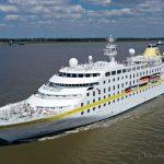 MS Hamburg nach der Renovierung auf der Elbe